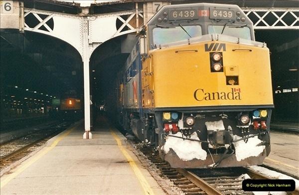 Canada November  2001. 1 (29)001