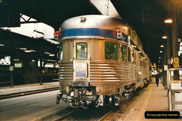 Canada November  2001. 1 (32)001