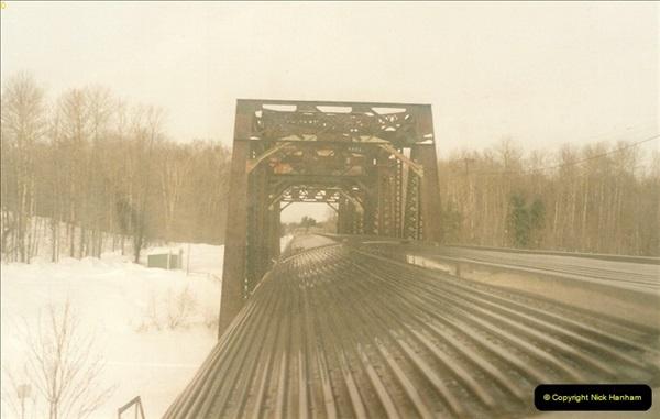 Canada November  2001. 1 (43)001