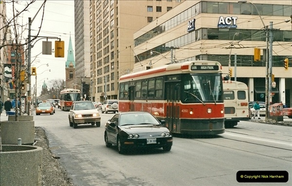 Canada November  2001. 1 (8)001