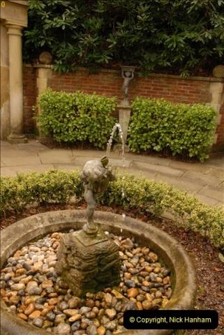 2013-04-27 Compton Acres Gardens, Poole, Dorset.  (5)005