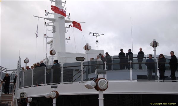 2015-05-03 Three Queens leave Southampton. (101)101