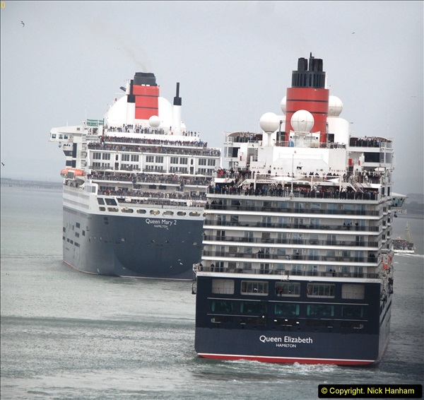 2015-05-03 Three Queens leave Southampton. (109)109