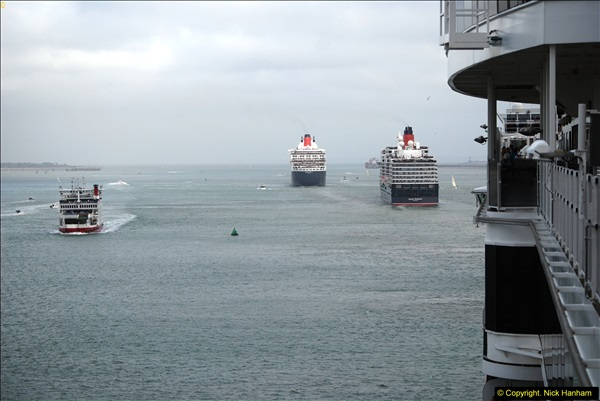2015-05-03 Three Queens leave Southampton. (120)120