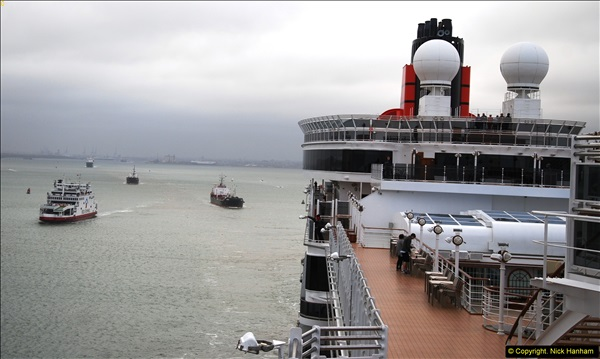 2015-05-03 Three Queens leave Southampton. (137)137