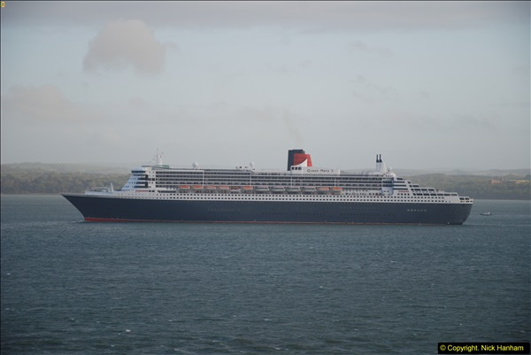 2015-05-03 Three Queens leave Southampton. (190)190