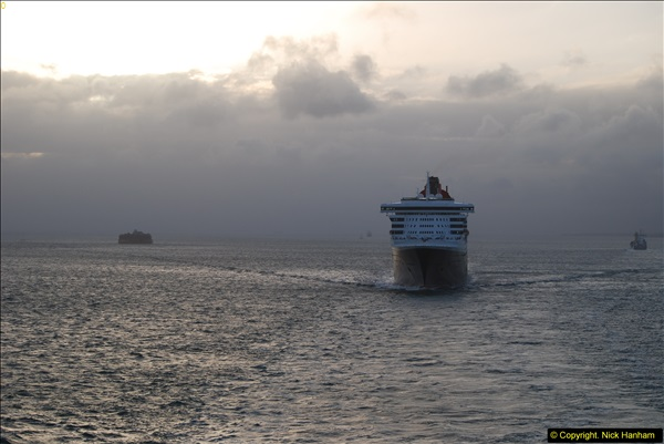 2015-05-03 Three Queens leave Southampton. (223)223