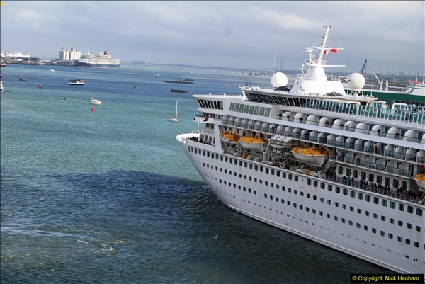 2015-05-03 Three Queens leave Southampton. (79)079