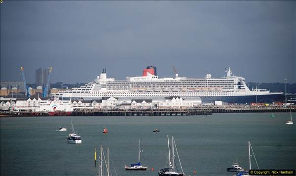 2015-05-03 Three Queens leave Southampton. (86)086