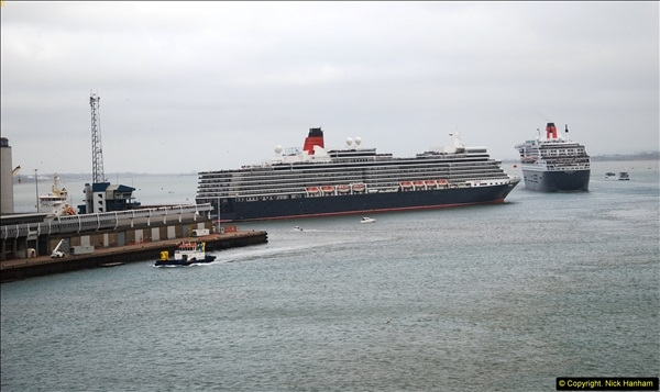 2015-05-03 Three Queens leave Southampton. (103)103