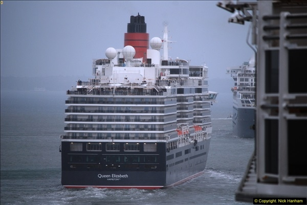2015-05-03 Three Queens leave Southampton. (140)140
