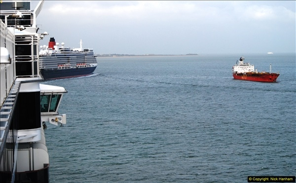 2015-05-03 Three Queens leave Southampton. (181)181