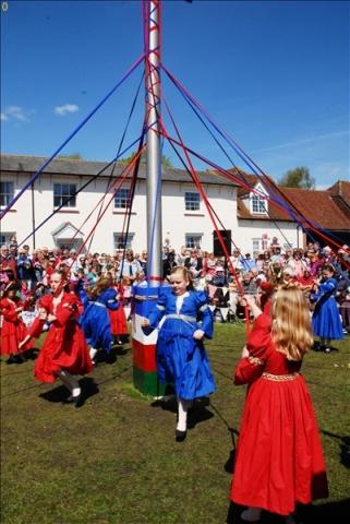 2014-05-03 Downton Cuckoo Fair, Downton, Wiltshire.  (120)120