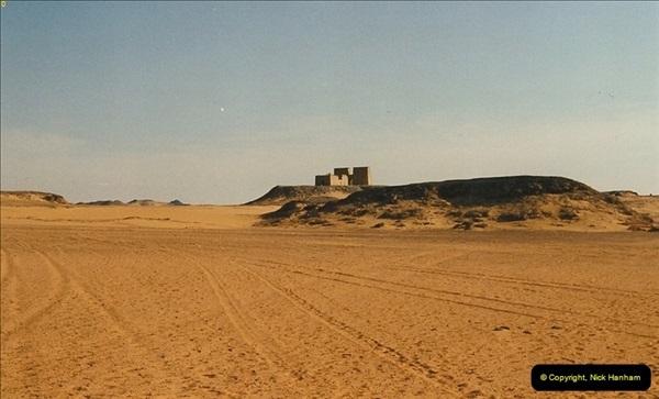 1995-07-19 At Wadi El Seboua on Lake Nasser, Nubia.  (11)030