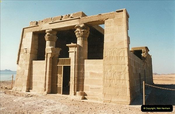 1995-07-19 At Wadi El Seboua on Lake Nasser, Nubia.  (13)032