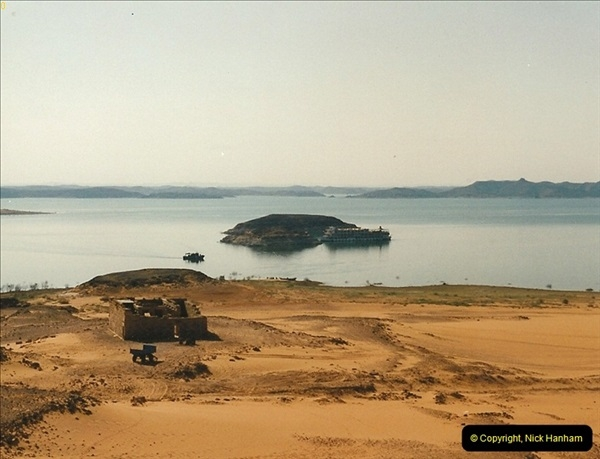 1995-07-19 At Wadi El Seboua on Lake Nasser, Nubia.  (15)034