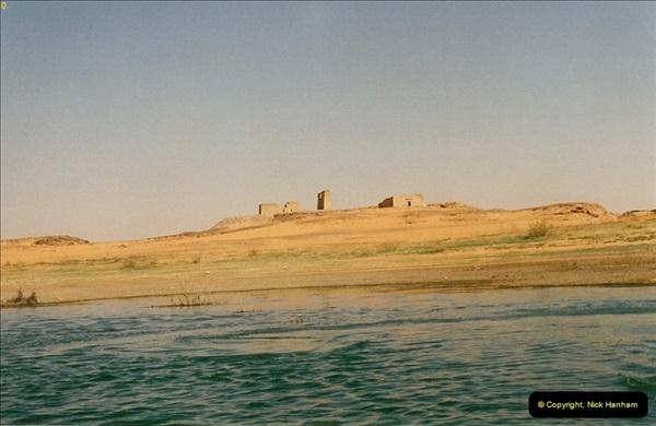 1995-07-19 At Wadi El Seboua on Lake Nasser, Nubia.  (18)037