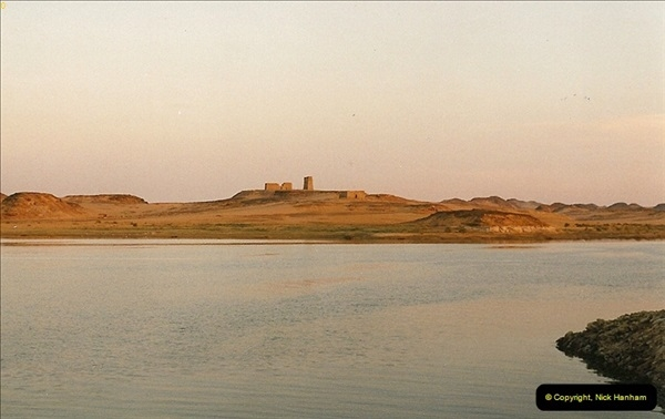 1995-07-19 Wadi El Seboua on Lake Nasser, Nubia.  (1)050