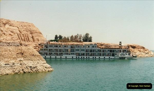 1995-07-20 Abu Simbel, Lake nasser, Nubia.  (15)065