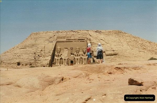 1995-07-20 Abu Simbel, Lake nasser, Nubia.  (16)066