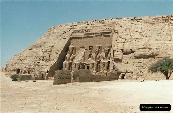 1995-07-20 Abu Simbel, Lake nasser, Nubia.  (17)067