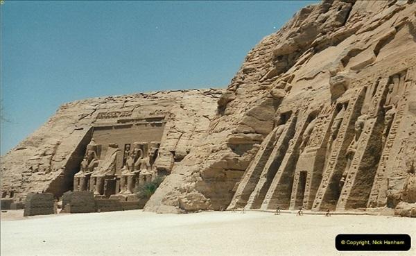 1995-07-20 Abu Simbel, Lake nasser, Nubia.  (18)068