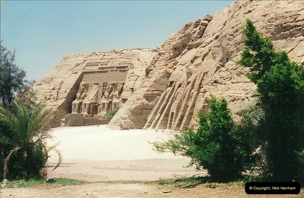 1995-07-20 Abu Simbel, Lake nasser, Nubia.  (19)069