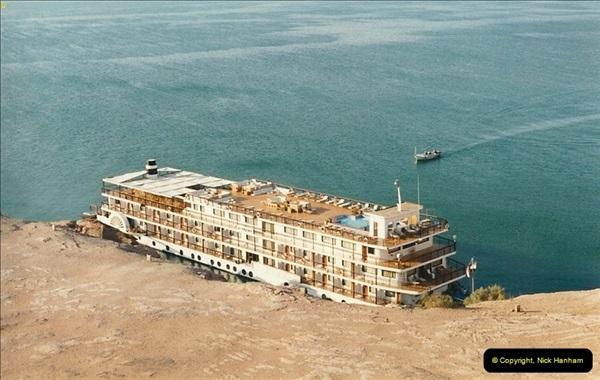 1995-07-20 Abu Simbel, Lake nasser, Nubia.  (20)070