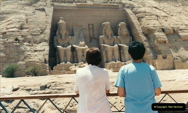 1995-07-20 Abu Simbel, Lake nasser, Nubia.  (21)071