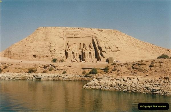1995-07-20 Abu Simbel, Lake nasser, Nubia.  (3)053