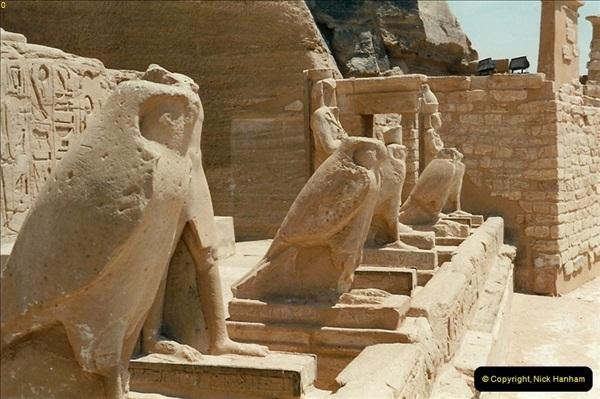 1995-07-20 Abu Simbel, Lake nasser, Nubia.  (32)082