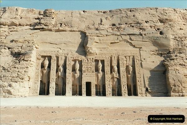1995-07-20 Abu Simbel, Lake nasser, Nubia.  (36)086
