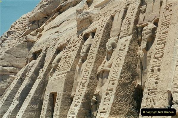 1995-07-20 Abu Simbel, Lake nasser, Nubia.  (38)088