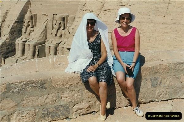 1995-07-20 Abu Simbel, Lake nasser, Nubia.  (40)090