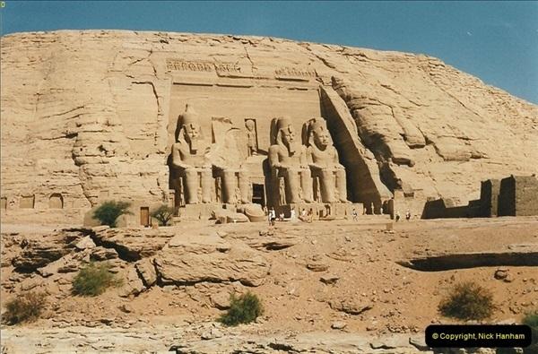 1995-07-20 Abu Simbel, Lake nasser, Nubia.  (4)054