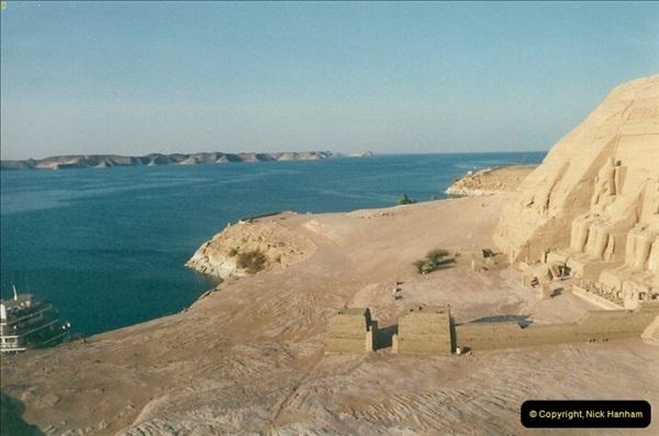 1995-07-20 Abu Simbel, Lake nasser, Nubia.  (42)092