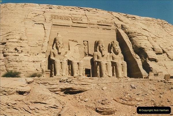 1995-07-20 Abu Simbel, Lake nasser, Nubia.  (5)055