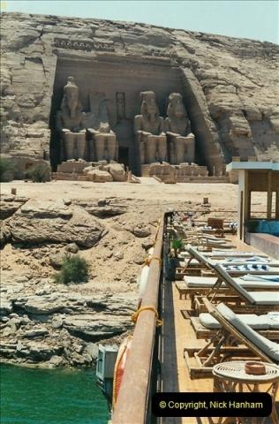 1995-07-20 Abu Simbel, Lake nasser, Nubia.  (8)058