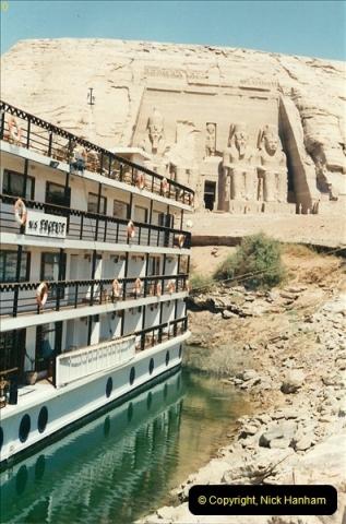 1995-07-20 Abu Simbel, Lake nasser, Nubia.  (9)059