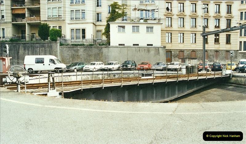 27 April to 06 May 2002  (46)01