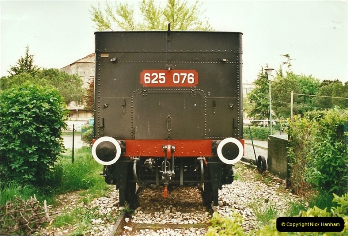 27 April to 06 May 2002  (77)01