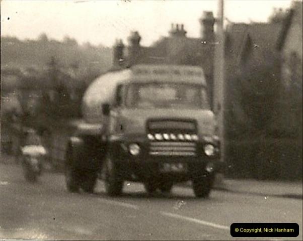 1958 (7) Leyland Comet in Ringwood Road, Poole, Dorset.012