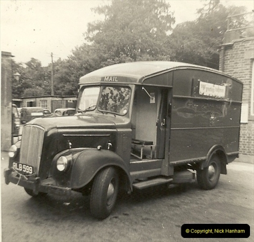 1963 (13) GPO Parkstone Sorting Office. I also drove this crach gear box Morris Commercial many, many times. Note the rubber front wings.062