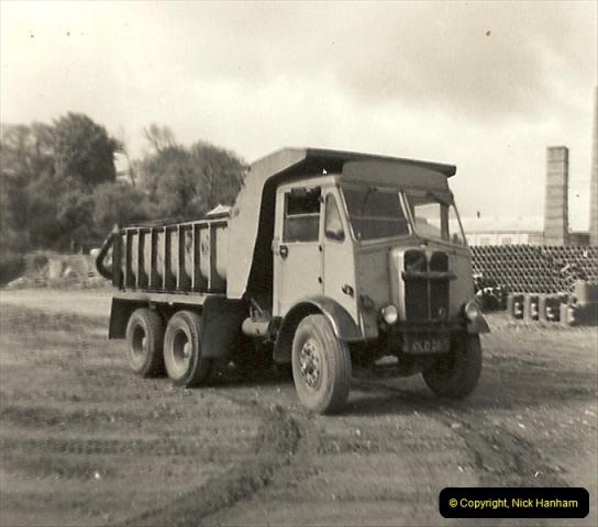 1963 (6) Kinson Potteries, Ringwood Road, Parkstone, Poole, Dorset. 055
