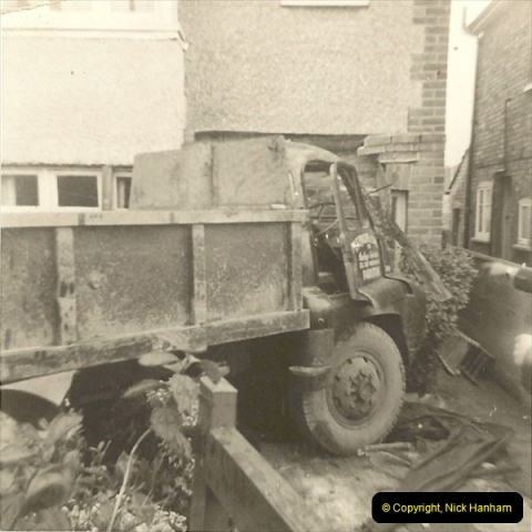 1963 (78) Bedford 'S' Type. Regrettably a lady died in this accident at a bus stop127
