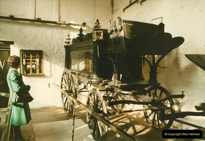 1984-02 Bath Coach Museum, Bath, Somerset.  (7)299