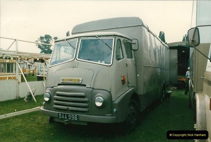 1985 September 12. Alder Road, Parkstone, Poole, Dorset.  (10)338