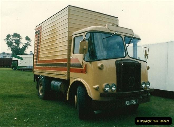 1985 September 12. Alder Road, Parkstone, Poole, Dorset.  (1)329