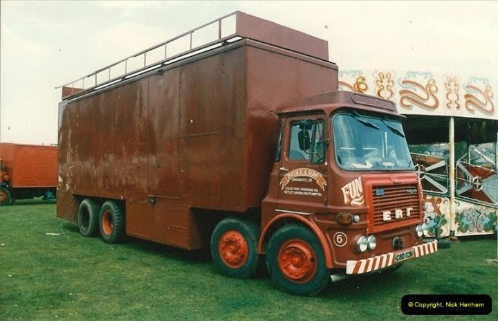 1985 September 12. Alder Road, Parkstone, Poole, Dorset.  (4)332