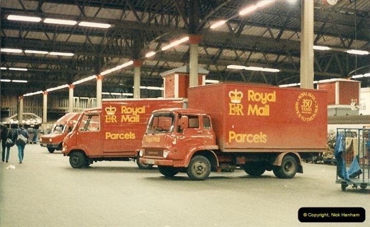 1986-11-22 Waterloo Station, London.369